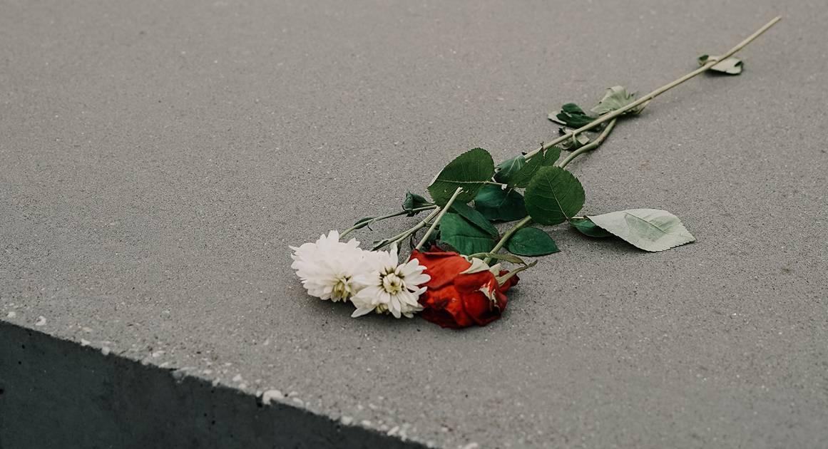 Почему мы не умеем искренне выражать соболезнования