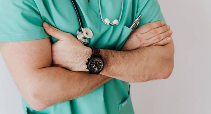 Откуда берутся медицинские факты — и почему врачи не всегда могут на них опираться